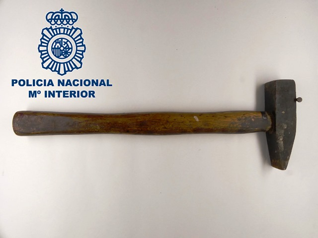 El martillo usado